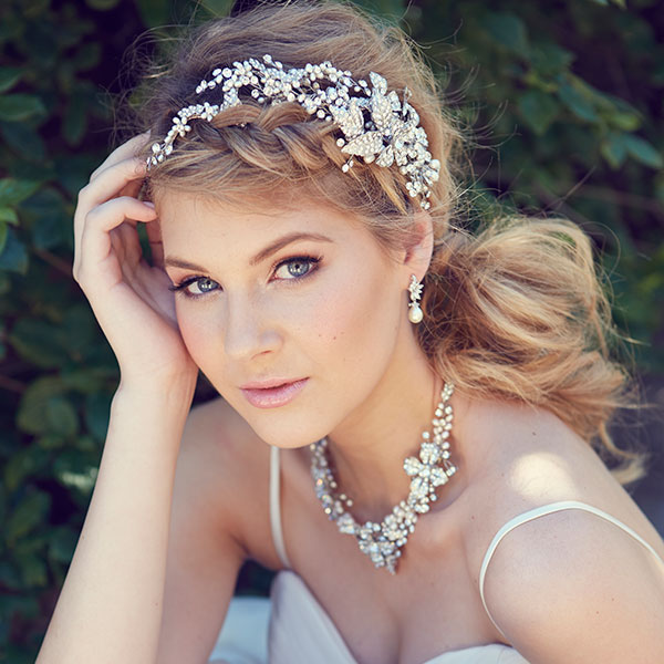 How to Pick Your Bridal Accessories